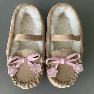 Toddler girl slippers size small 5 / 6